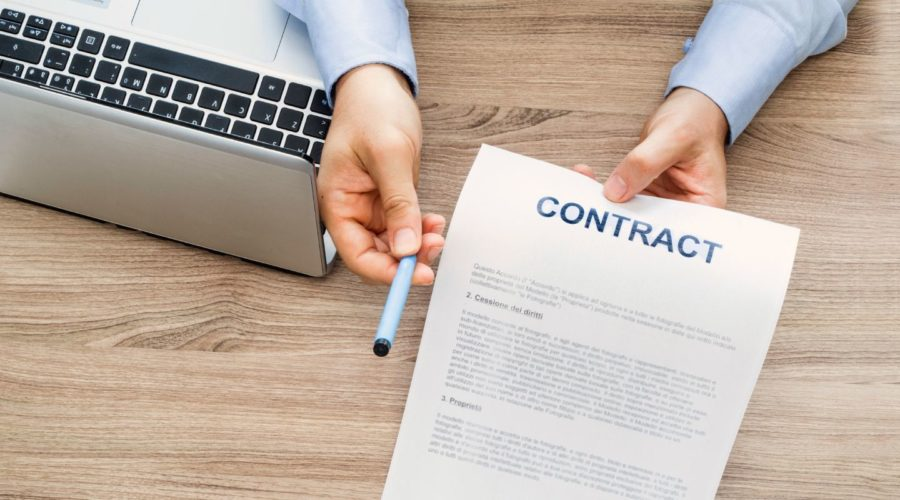 Handing over employment contract. A restrictive covenant can be enforced in an employment contract