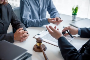 clients meeting with a bankruptcy attorney